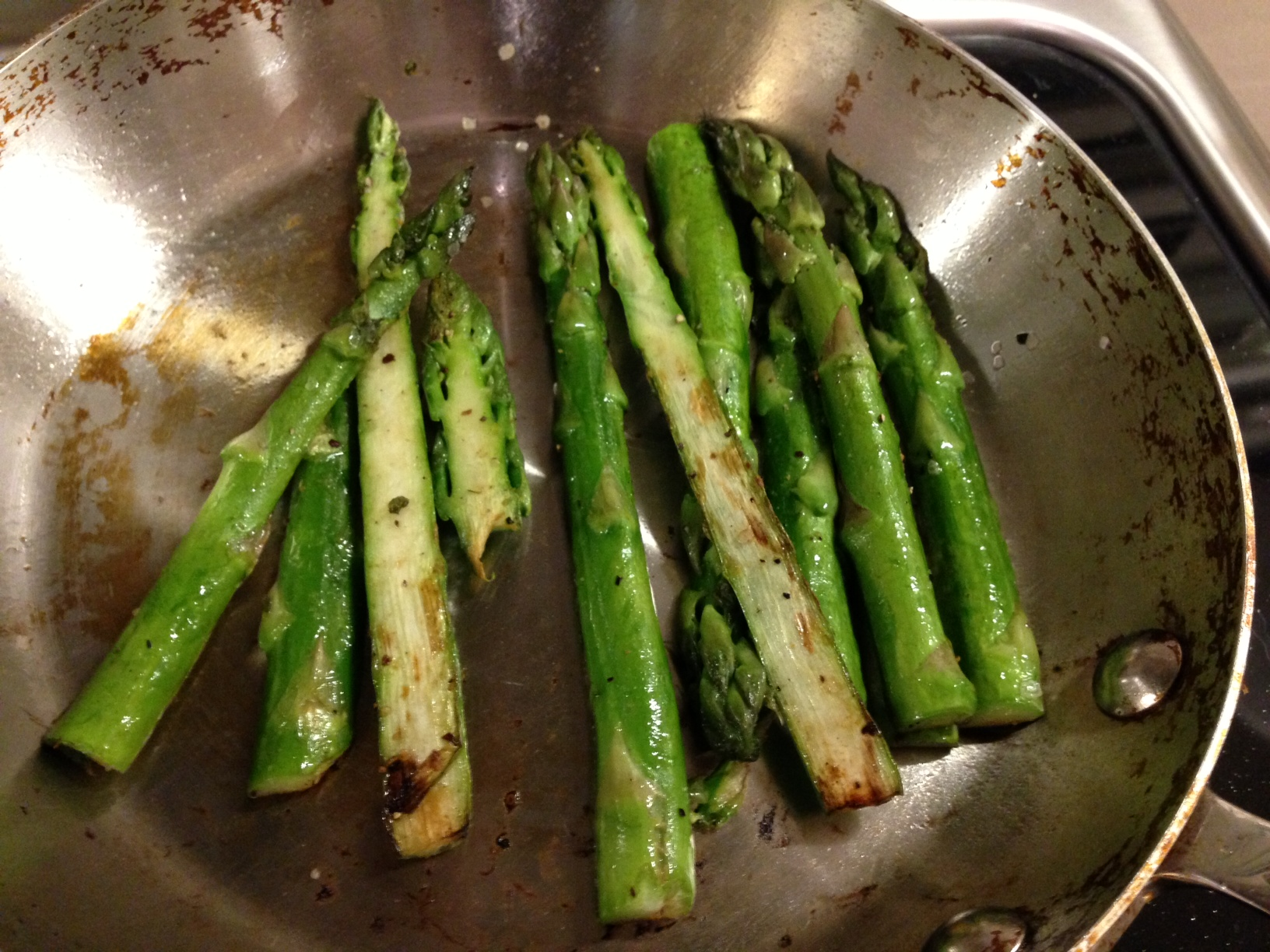 Let The Asparagus Cook Without Touching It For Around 5 Minutes, Depending  On The Size Of Your Asparagus Toss, And Continue Cooking For Another 5  Minutes